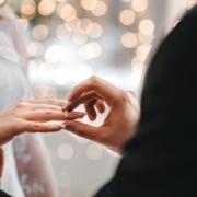 Chaque année, quelque 200 000 couples se lient par un pacte civil de solidarité. Pour certains, il s'agit d'une première étape avant de se marier. - Notaire Ville-d'Avray 92410 - Office Notarial Maître Delphine MARIE-SUTTER