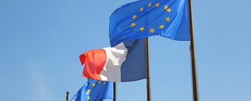 En dix ans, le nombre de Français vivant à l'étranger a augmenté de 30 %. Première destination : l'Europe. Des textes européens, mais également l'organisation du notariat, facilitent la vie de ces expatriés à courte ou moyenne distance. La Lettre du Notaire - Notaire Ville-d'Avray 92410 - Office Notarial Maître Delphine MARIE-SUTTER